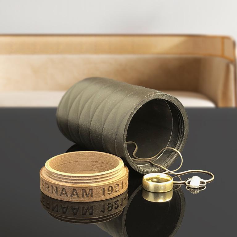 Urn 'rust zacht' als bewaarplek voor sieraden van je dierbare